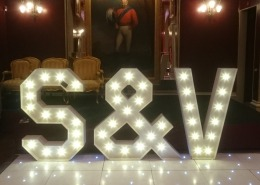 S V individual letter and led white dancefloor goodwood house e1516631994808
