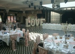 5ft LOVE in gatsby at old thorns country club