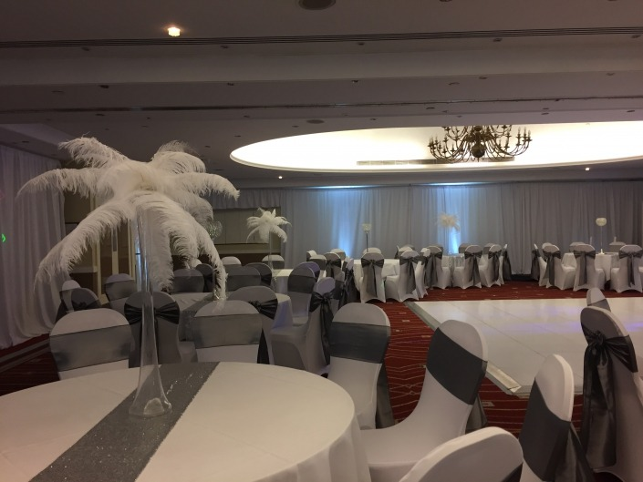 marriott portsmouth room drape 5ft love chair covers feathers 3