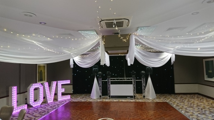 solent hotel and spa 4 ft colour changing love letters