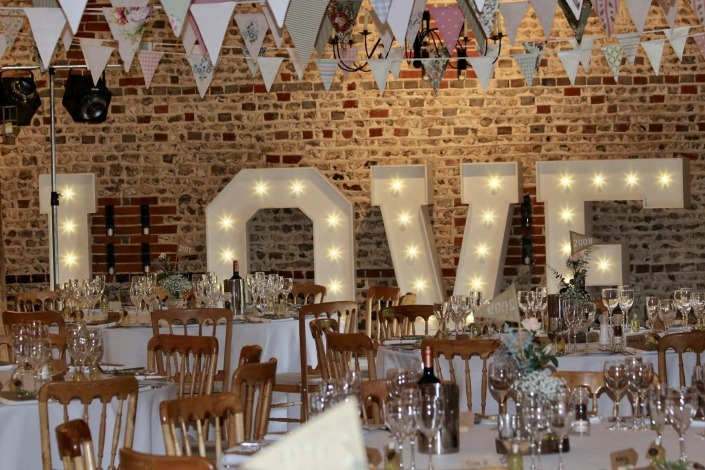 upwaltham barn 5 ft love letters