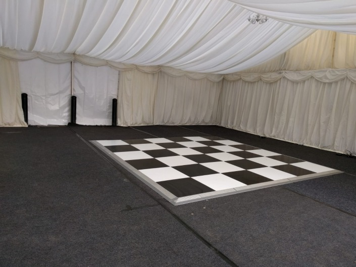 wickham park golf club marquee hire black and white dancefloor