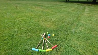 complete outdoor garden croquet game e1564771722642